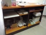 Prodejní pult a skříně