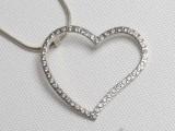 GITA - luxusní stříbrný šperk ve tvaru srdce