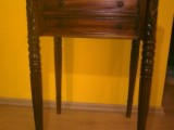 Toaletní stolek starožitný