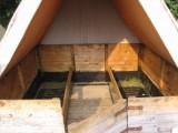Táborové podsadové stany