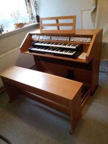 prodám špičkové digitální varhany Johannus