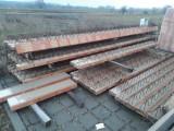 Stavební materiál na strop
