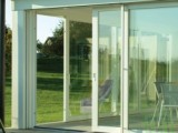 Plastové posuvné dveře 180x210 bílé