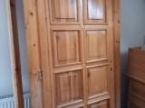 Masivní dveře s rámem